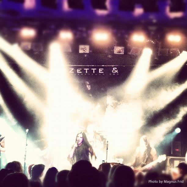 Lizette & - LIVE